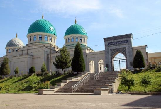 Узбекистан: страна белых машин. Май 2018. Немного практической информации и фото.